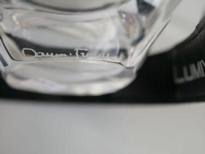 """DAUM. Vide-poche quadrangulaire en cristal moulé. Signé sous la base """"Daum France""""...."""