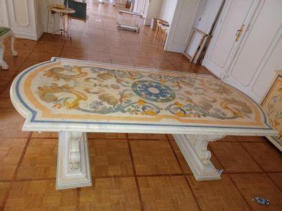 Maison Roméo par Claude DALLE. Importante table rectangulaire aux extrémités arrondies...