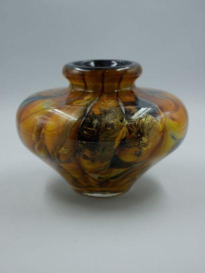 BRANLEY (XXè). Vase à panse aplatie en verre...