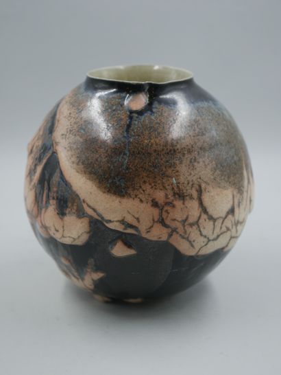 LACHENAL Edmond (1855-1948), in the taste of. Vase ball out of ceramics with black...