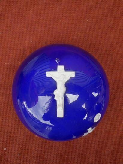 Boule sulfure en verre bleu, inclusion à...