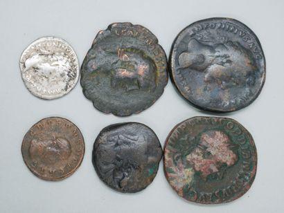 Six monnaies. Bronze ou argent. Principalement...