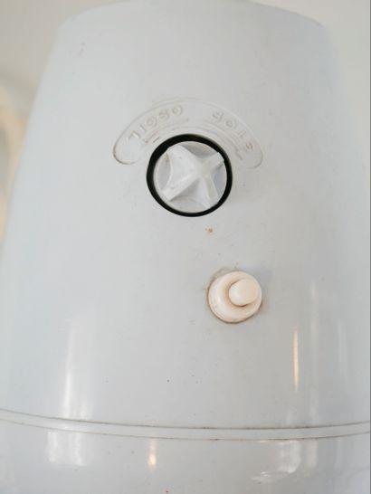 CALOR. Un ventilateur Vintage en plastique bleu clair. Haut 42 cm.
