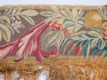AUBUSSON XVIIIè siècle. Fragment de tapisserie,...