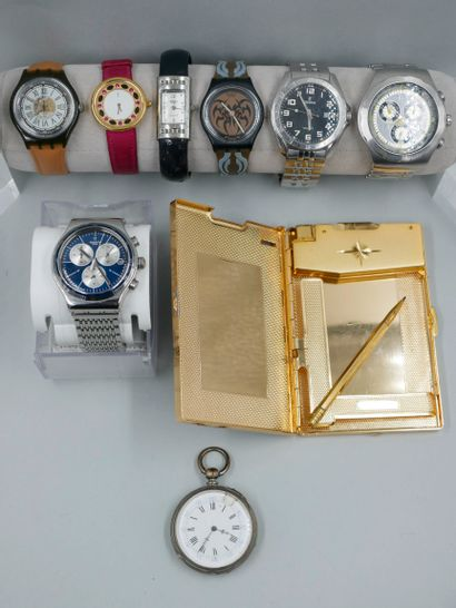 Lot de sept montres fantaisie SWATCH, YVES...