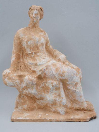 Statuette féminine de type tanagréen style...