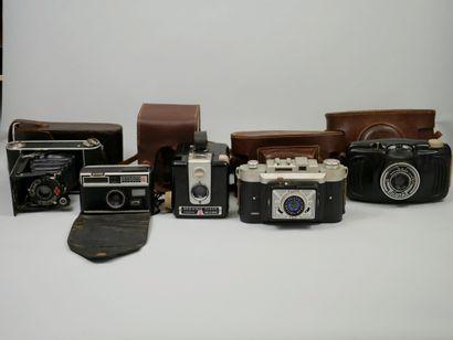 Lot d'appareils photo et caméra dont POLAROID,...