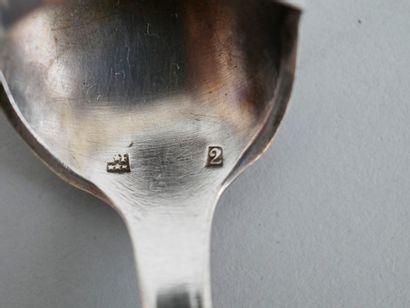 Lot comprenant un couteau à fromage en argent de style Louis XV - Poids : 43gr....