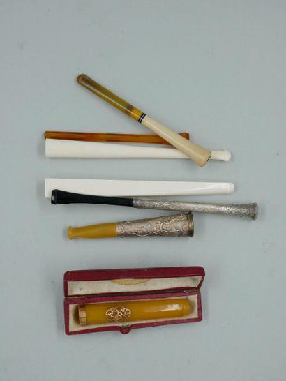 Lot de porte cigarettes dont un serti d'or...