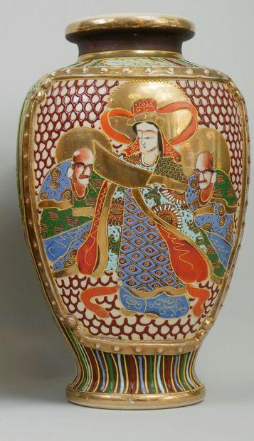 SATSUMA.CHINE Fin XIXème - Début XXème. Vase...
