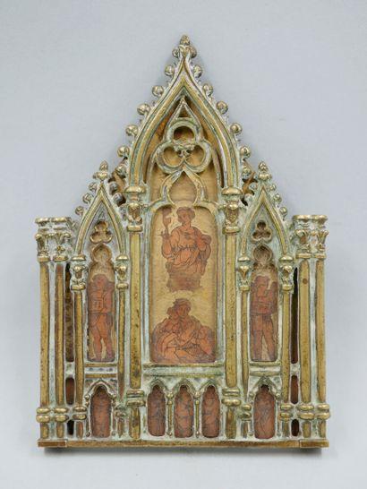 Petit autel portatif en bronze en forme de...