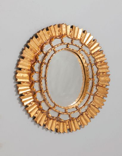 Miroir ovale à parecloses en bois mouluré...