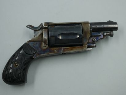 Revolver Velodog, cinq coups, calibre 6 mm...