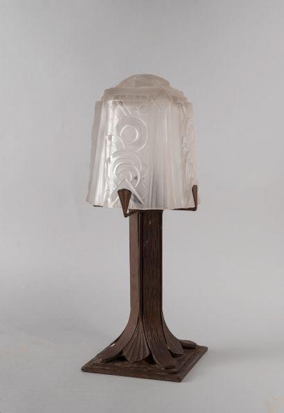 MULLER frères, LUNEVILLE. Lampe de salon...