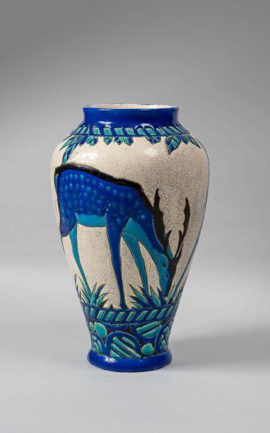 Charles CATTEAU (1880-1966) et KERAMIS. Vase...