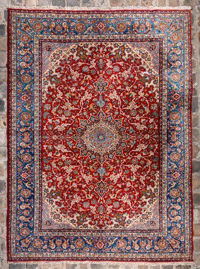 Important et assez fin Ispahan (Iran) vers...