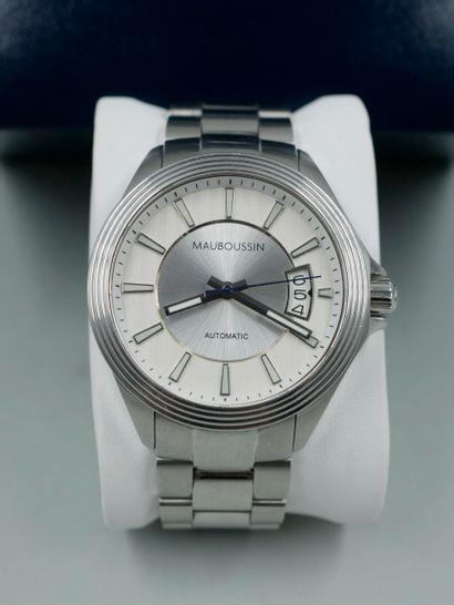 MAUBOUSSIN. L'heure de paix. Bracelet-montre...