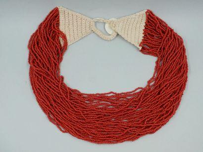 Collier ethnique plastron multirangs de perles...