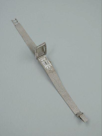 Montre bracelet de dame en or blanc 18k figurant...