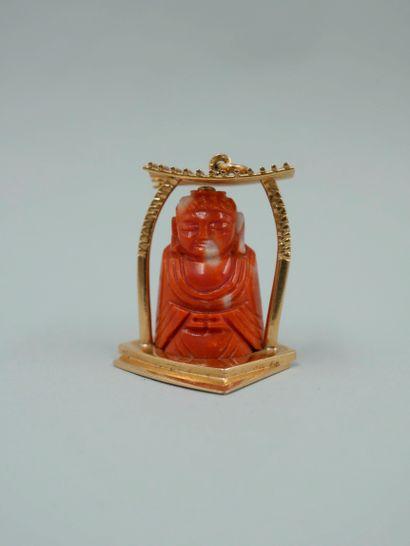 Pendentif en or jaune 18K figurant un Buddha...