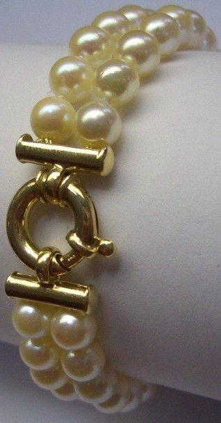 Bracelet 2 rangs de 48 Perles du Japon Fermoir...