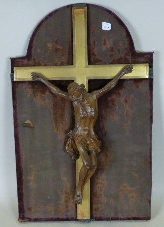 Christ en croix en bois naturel sculpté en...