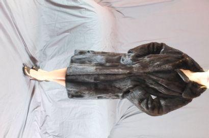 Manteau de vison allongé - Fourrures de la...