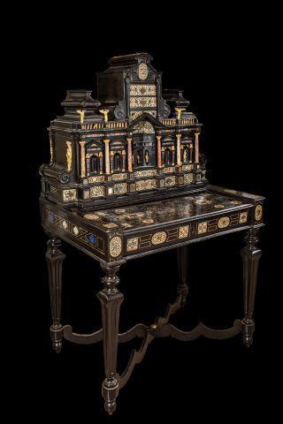 Cabinet à fronton formant bureau en bois...