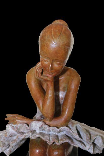 """CANTIN Josiane """"Concentration"""" Lost wax bronze Fondeur Blain (44) H : 49 cm L : 33..."""