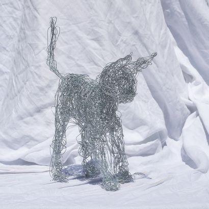 """LAURENT.2LL LAURENT Isabelle """"Biscotte"""" Sculpture réalisée en fil de fer Longueur..."""