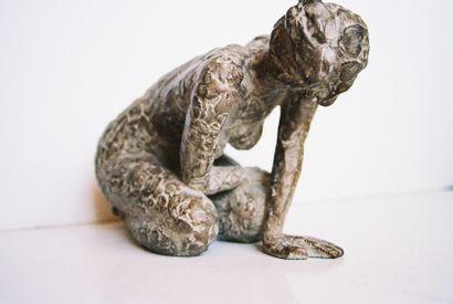 """MOLINIE-JONQUET Chantal """"Petite Etonnée"""" Sculpture en bronze patiné, signée et numérotée..."""