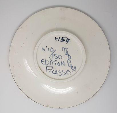 Pablo PICASSO (1881-1973) Petites visage de 1963 Assiette en céramique émaillée et...