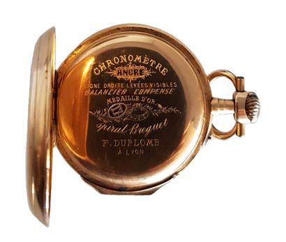 Montre de Gousset En or, cadran émaillé aux chiffres arabes, diamètre : 50 mm, poids...
