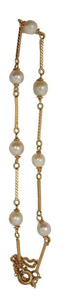 Collier perles de culture en chutes Fermoir en or et turquoise, poids: 21,07 gr....