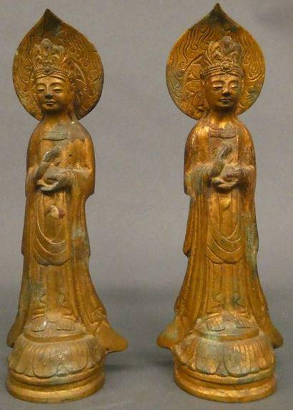 CHINE   Deux divinités en bronze doré  Ht:...