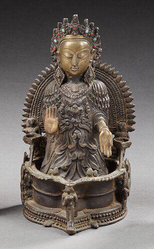 INDE ou HIMALAYA   Divinité en bronze, la...