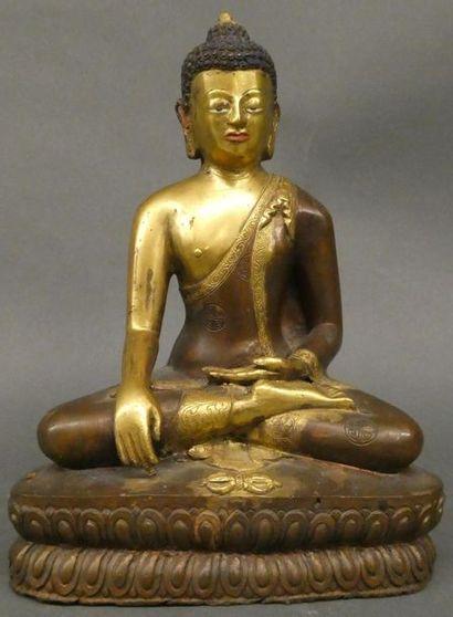 CHINE    Figurine en bronze à patine brune...
