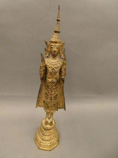ASIE DU SUD EST    Divinité en bronze doré;...