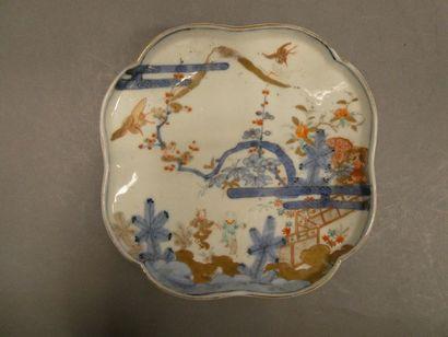 Coupelle en porcelaine à décor imari.