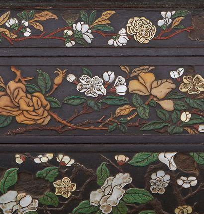 CHINE Exceptionnelle boite rectangulaire à deux compartiments. Le bois foncé (zitan...