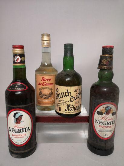 4 flacons ALCOOLS et DIVERS A VENDRE EN L'ETAT...