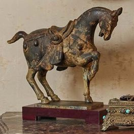 CHEVAL en bronze à patine antique. Travail...