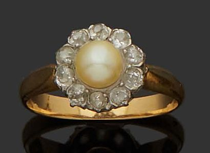 MARGUERITE RING in 18K (750) yellow and white...