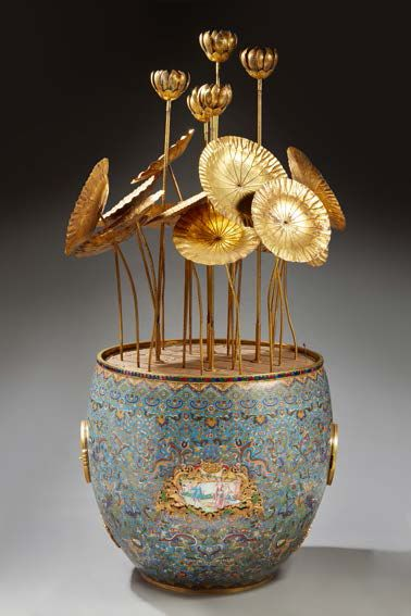 CHINE Large clock with automata in the form of a basin containing lotus leaves, buttons...