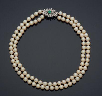 COLLIER À DEUX RANGS de perles de culture,...