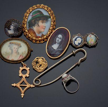 ENSEMBLE de bijoux fantaisies dont argent,...