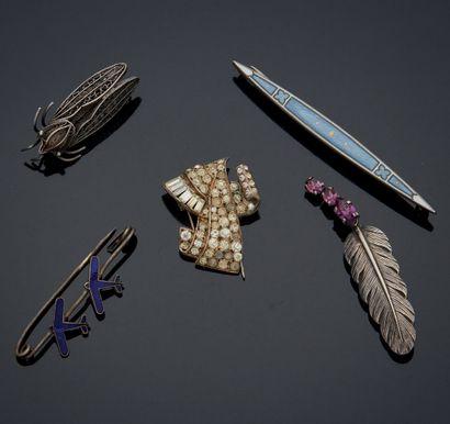 ENSEMBLE en argent et métal comprenant quatre...