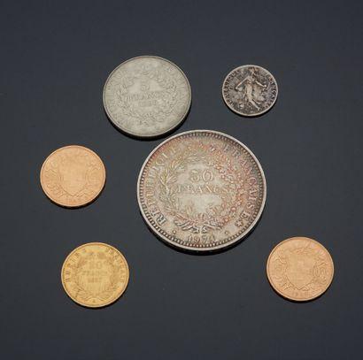 ENSEMBLE DE PIÈCES en or comprenant: 20 francs...