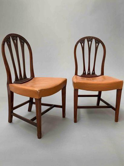 TRAVAIL 1900-1920  Paire de chaises en bois...