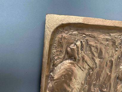 HENRIETTE (1875- 1952) Suite de huit plaques en bronze doré : trois à décor en légers...